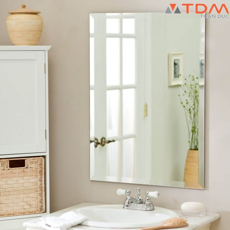 Giá gương phòng tắm bao nhiêu? Mua ở đâu tại TPHCM Hà Nội